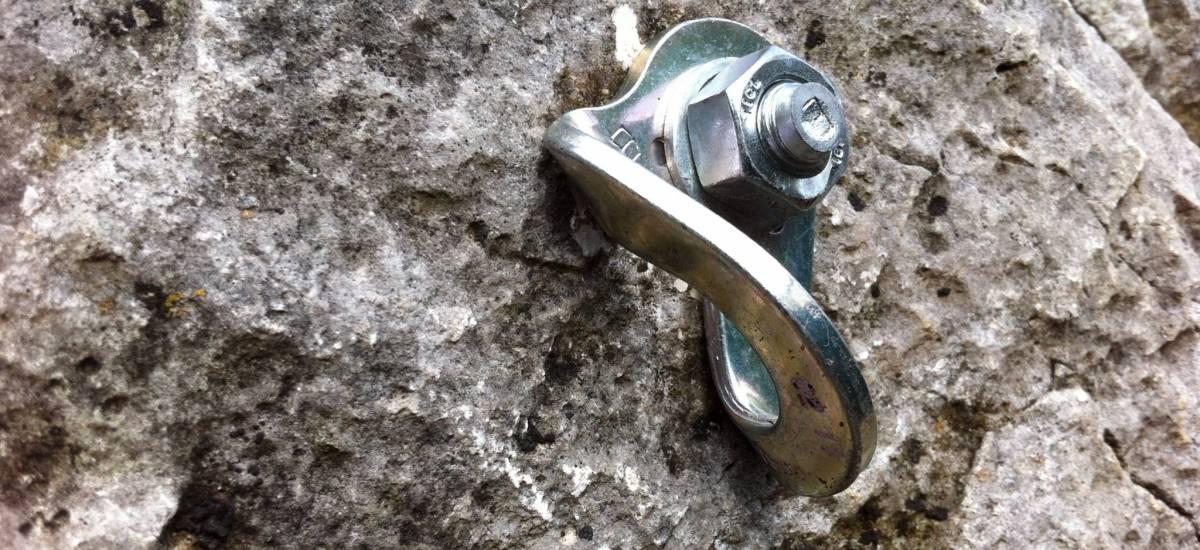 goujon et plaquette diamètre 12 mm normes d équipement FFME