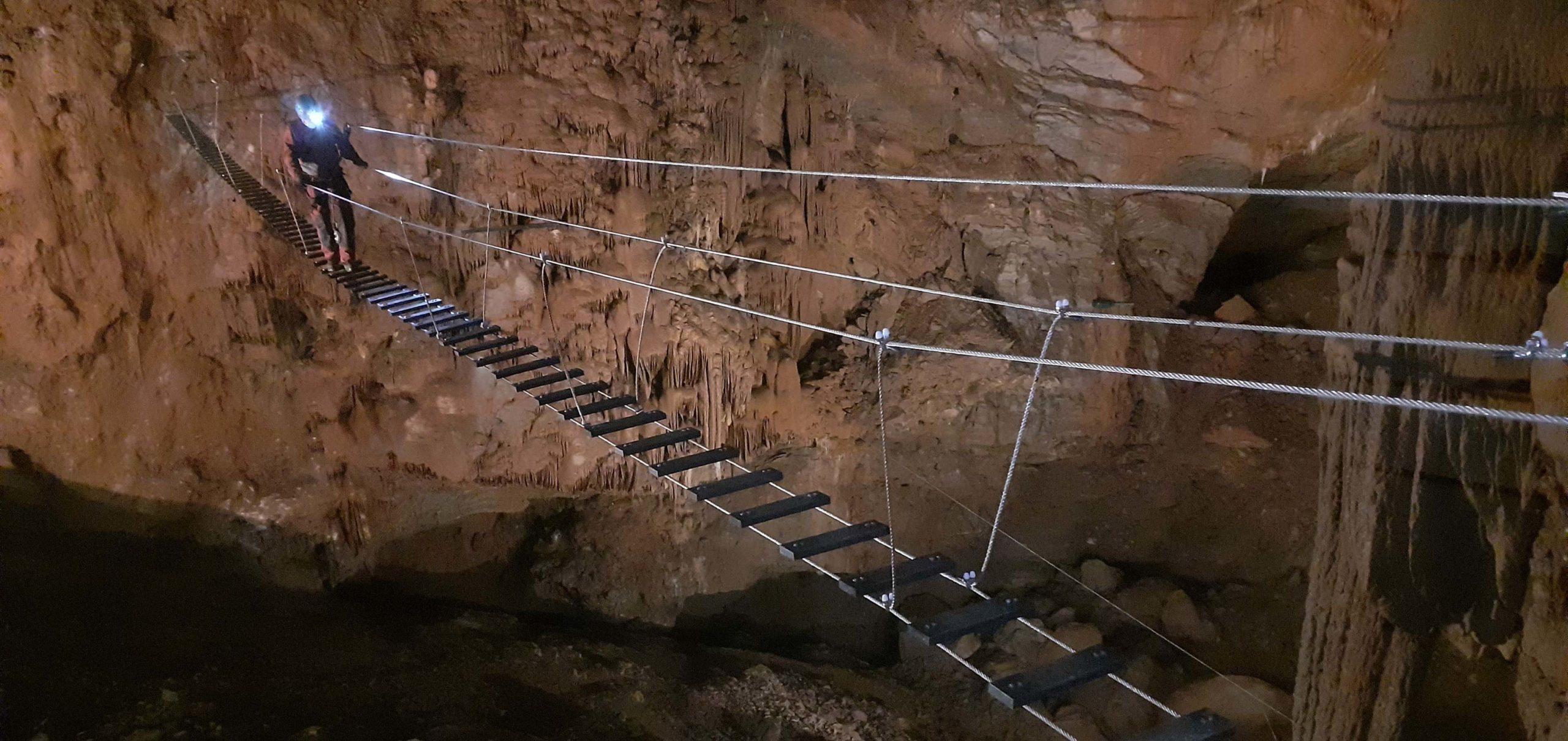 nouveau pont himalayen dans l'accrogrotte de Cabrespine de